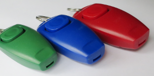 Combined whistle and clicker dog training device