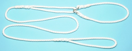 Rope dog show lead with centre pull collar